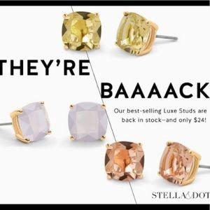 Stella & Dot Yellow Lux Studs!!